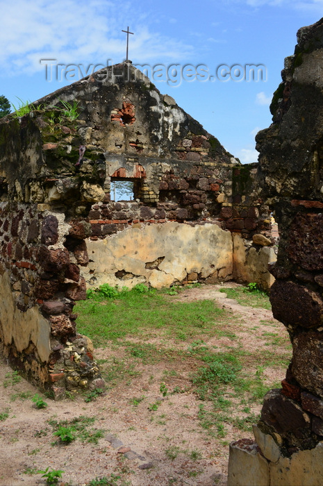 gambia92: Albreda, Gambia: ruins of the Portuguese chapel - built in the 15th-century, one of the oldest buildings in West Africa - UNESCO world heritage site - photo by M.Torres - (c) Travel-Images.com - Stock Photography agency - Image Bank