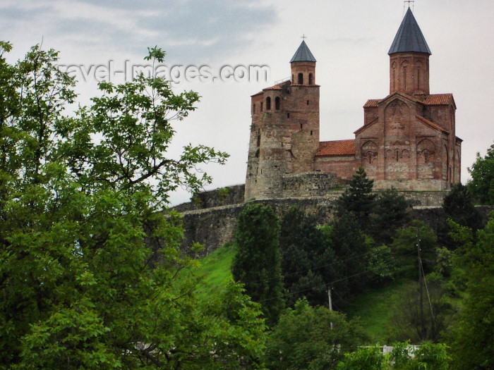 georgia104: Georgia - Gremi - Kakheti region: Gremi fortress, built by Levan, King of Kakhetians, in the 16th century - church of the Archangel and the royal tower - photo by L.McKay - (c) Travel-Images.com - Stock Photography agency - Image Bank