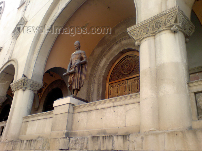 georgia109: Georgia - Tbilisi : statue in arcade - photo by N.Mahmudova - (c) Travel-Images.com - Stock Photography agency - Image Bank
