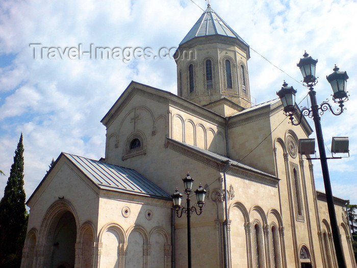 georgia118: Georgia - Tbilisi - Kashveti Church of St. George - Rustaveli Avenue - photo by N.Mahmudova - (c) Travel-Images.com - Stock Photography agency - Image Bank