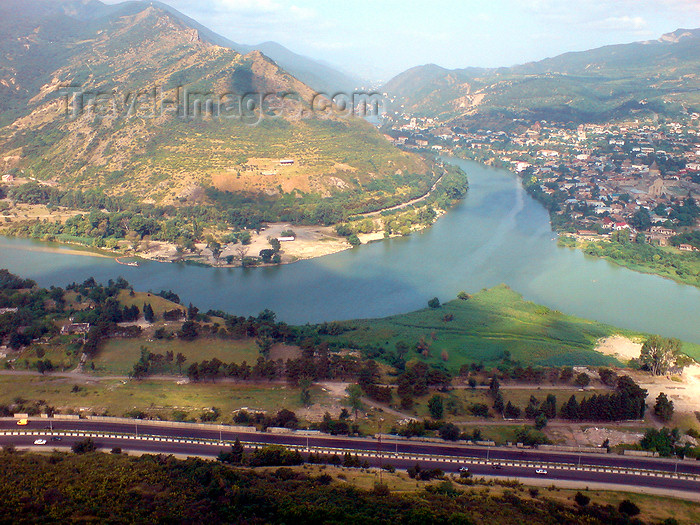 georgia127: Georgia - Mtskheta: confluence of the Aragvi and Mtkvari / Kura rivers - view from Dzhvari hill - photo by N.Mahmudova - (c) Travel-Images.com - Stock Photography agency - Image Bank