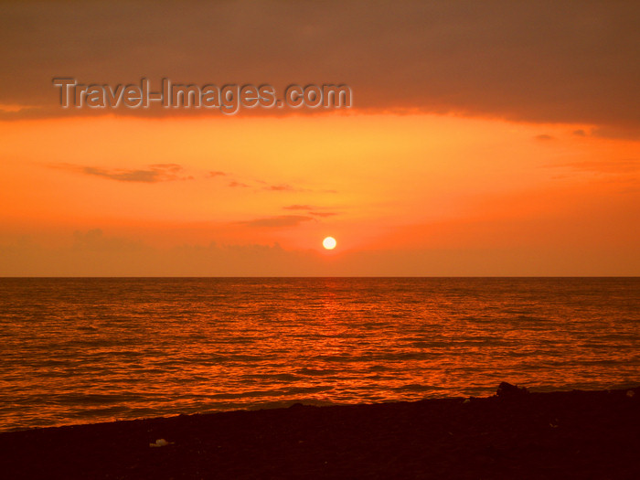 georgia144: Georgia - Ureki, Guria region: sunset over the Black sea - Karadeniz - photo by S.Hovakimyan - (c) Travel-Images.com - Stock Photography agency - Image Bank