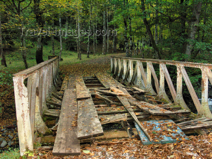 georgia152: Borjomi, Samtskhe-Javakheti region, Georgia: old truss bridge - photo by N.Mahmudova - (c) Travel-Images.com - Stock Photography agency - Image Bank
