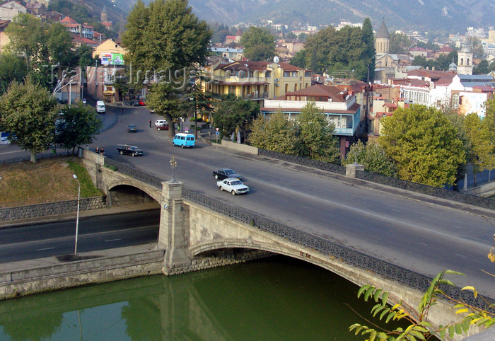 georgia173: Tbilisi, Georgia: Matechi bridge over the Kura / Mtkvari river - photo by N.Mahmudova - (c) Travel-Images.com - Stock Photography agency - Image Bank
