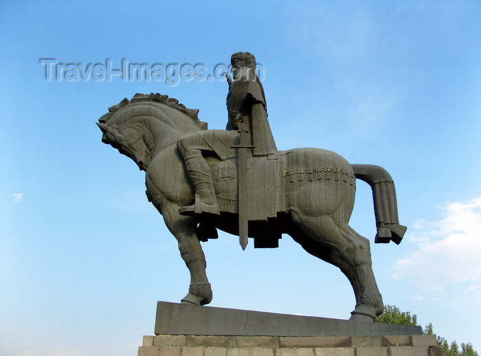 georgia174: Tbilisi, Georgia: Vachtang Gorgasali, king of of Iberia, founder of Tbilisi, a saint of the Georgian Orthodox Church - equestrian statue - photo by N.Mahmudova - (c) Travel-Images.com - Stock Photography agency - Image Bank