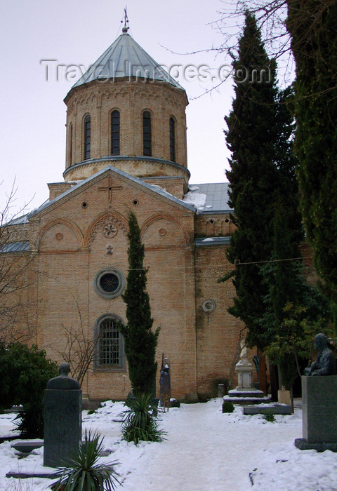 georgia182: Tbilisi, Georgia: Church of St. David - the national pantheon - graves and snow - photo by N.Mahmudova - (c) Travel-Images.com - Stock Photography agency - Image Bank