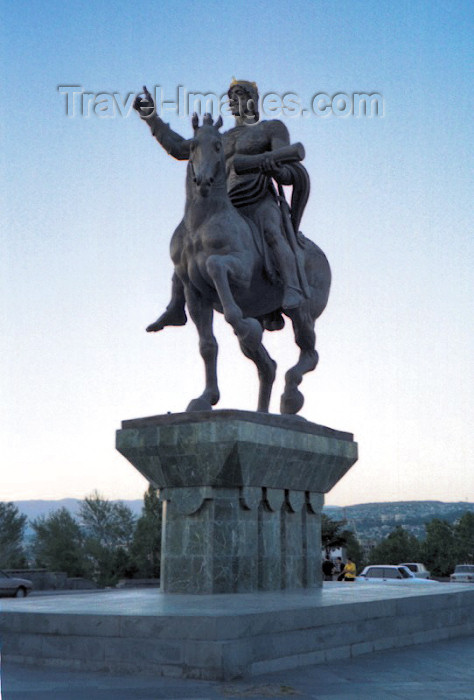 georgia42: Georgia - Tbilisi / Tblissi / TBS: equestrian statue of Davit the builder in front of the Iveria hotel - photo by M.Torres - (c) Travel-Images.com - Stock Photography agency - Image Bank