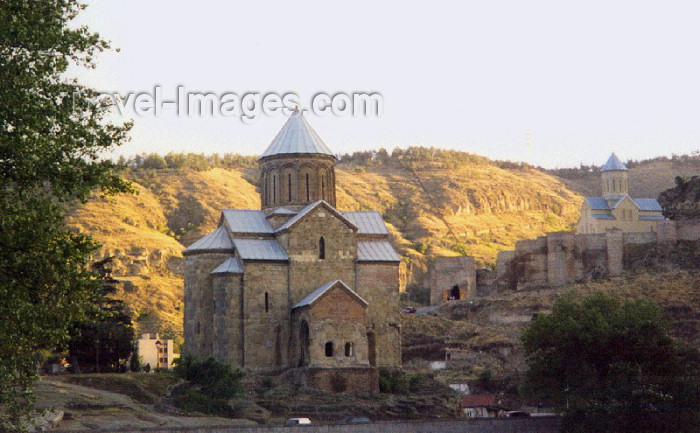 georgia46: Georgia - Tbilisi: Metekhi church and the Armenian Cathedral of St Georg (photo by M.Torres) - (c) Travel-Images.com - Stock Photography agency - Image Bank