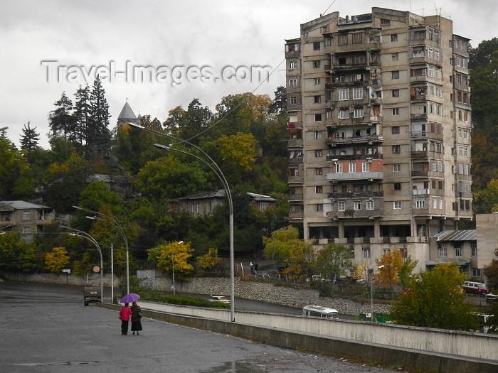 georgia62: Georgia - Borjomi: street scene on the bridge over Mtkvari River (photo by Austin Kilroy) - (c) Travel-Images.com - Stock Photography agency - Image Bank