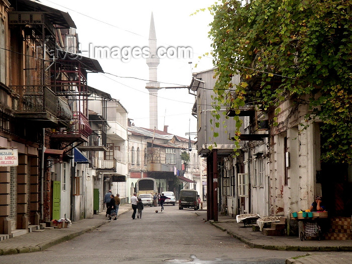 georgia64: Georgia - Batumi (Ajaria): balconies and minaret (photo by A.Kilroy) - (c) Travel-Images.com - Stock Photography agency - Image Bank