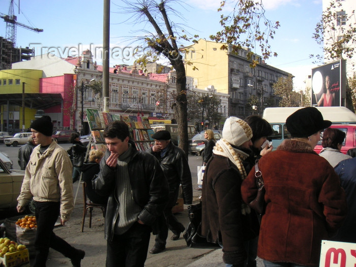 georgia65: Georgia - Tbilisi / Tblissi / TBS: People and stalls, on Marjanishvili square, Tbilisi - McDonalds in background (photo by Austin Kilroy) - (c) Travel-Images.com - Stock Photography agency - Image Bank