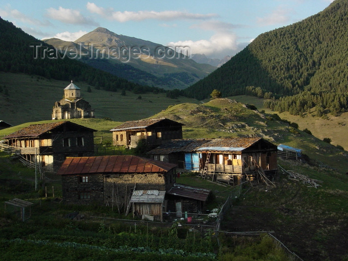 georgia71: Georgia - Shenako - Tusheti region (part of Kakheti Region): village in the Georgian Highlands (photo by A.Slobodianik) - (c) Travel-Images.com - Stock Photography agency - Image Bank