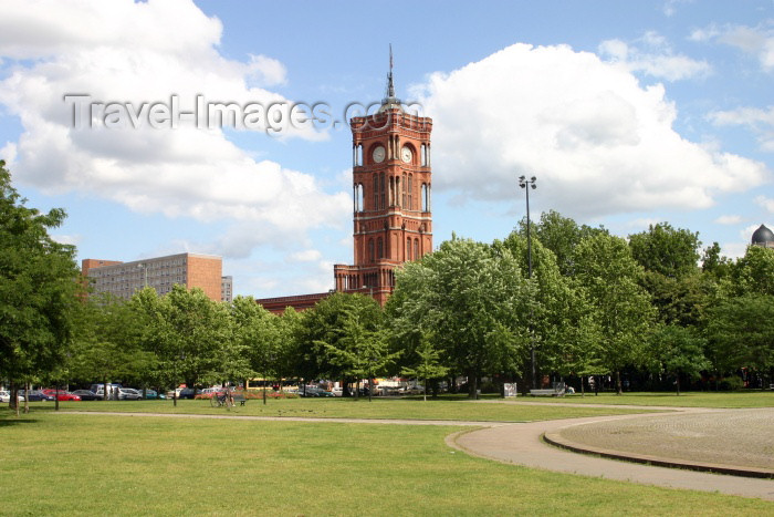 germany117: Germany / Deutschland - Berlin: lawns / Rasen - Rote Rathaus - red city hall - photo by C.Blam - (c) Travel-Images.com - Stock Photography agency - Image Bank
