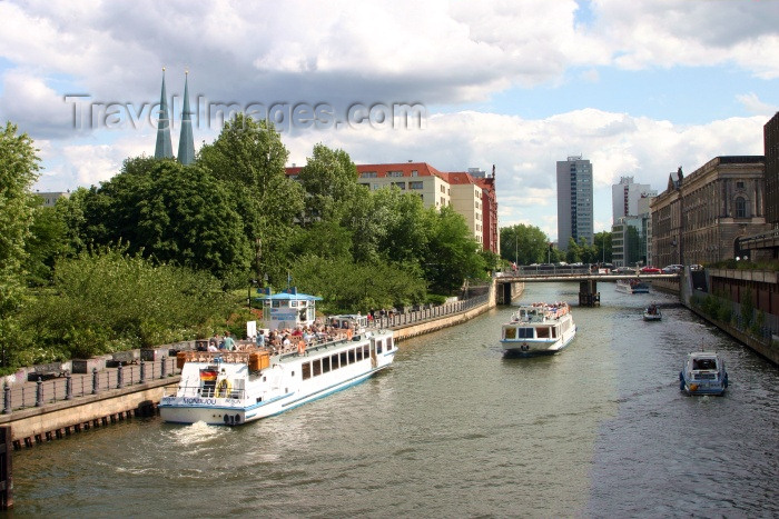 germany119: Berlin, Germany / Deutschland: on the river Spree / auf dem Flußspree - photo by C.Blam - (c) Travel-Images.com - Stock Photography agency - Image Bank