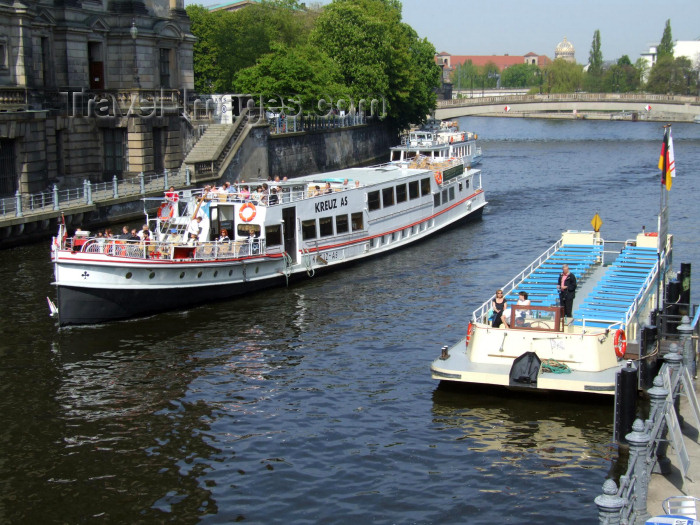 germany149: Berlin, Germany / Deutschland: tour boats on the river Spree - photo by M.Bergsma - (c) Travel-Images.com - Stock Photography agency - Image Bank