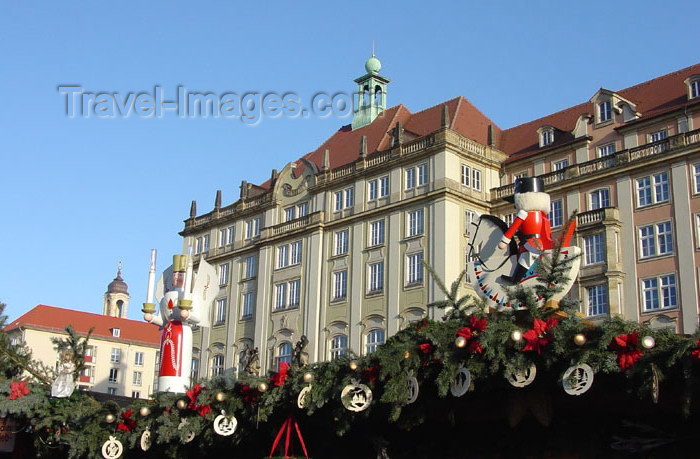 germany154: Germany / Deutschland -  Dresden (Saxony / Sachsen): Striezelmarkt (photo by G.Frysinger) - (c) Travel-Images.com - Stock Photography agency - Image Bank
