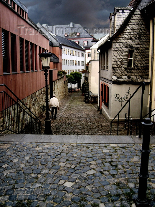 germany213: GermanyGermany / Deutschland / Allemagne - Germany / Deutschland / Allemagne - Mainz / Mayence / Moguncja / Majenco / Magonza (Rhineland-Palatinate / Rheinland-Pfalz): old town - Altstadt - photo by Efi Keren - (c) Travel-Images.com - Stock Photography agency - Image Bank