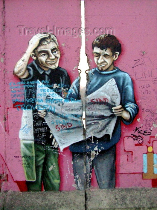 germany226: Germany / Deutschland - Berlin: graffiti on the Berlin Wall - Berliner Mauer - Mur de Berlin - Muro de Berlin - Berlin Duvari - photo by M.Bergsma - (c) Travel-Images.com - Stock Photography agency - Image Bank