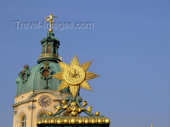 germany234: Germany / Deutschland - Berlin: Schloss Charlottenburg - dome and gate detail - Italian Baroque style by the architect Johann Arnold Nering - photo by M.Bergsma - (c) Travel-Images.com - Stock Photography agency - Image Bank