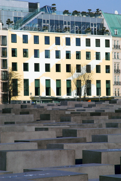 germany264: Germany - Berlin: Holocaust Memorial - architect Peter Eisenman - Denkmal - designed by US architect Peter Eisenman - photo by W.Schmidt - (c) Travel-Images.com - Stock Photography agency - Image Bank