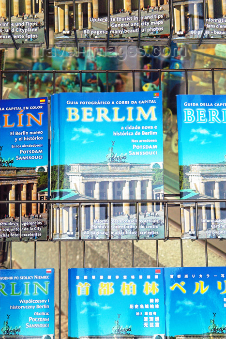 germany267: Germany - Berlin: Traveller Guides in several languages / Reiseführung - photo by W.Schmidt - (c) Travel-Images.com - Stock Photography agency - Image Bank
