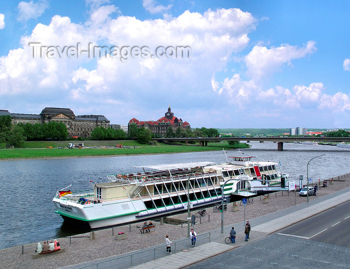 "germany291: Dresden, Saxony / Sachsen, Germany / Deutschland: tour ship on the Elba river - in the background the Saxonian State Ministry of Finance, the Saxonian State Chancellery and the GDR built ""Carolabrücke"" bridge - photo by E.Keren - (c) Travel-Images.com - Stock Photography agency - Image Bank"