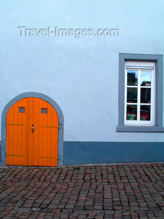 germany297: Gau-Algesheim - Mainz-Bingen district  - Rhineland-Palatinate / Rheinland-Pfalz, Germany / Deutschland: old blue house - photo by Efi Keren - (c) Travel-Images.com - Stock Photography agency - Image Bank