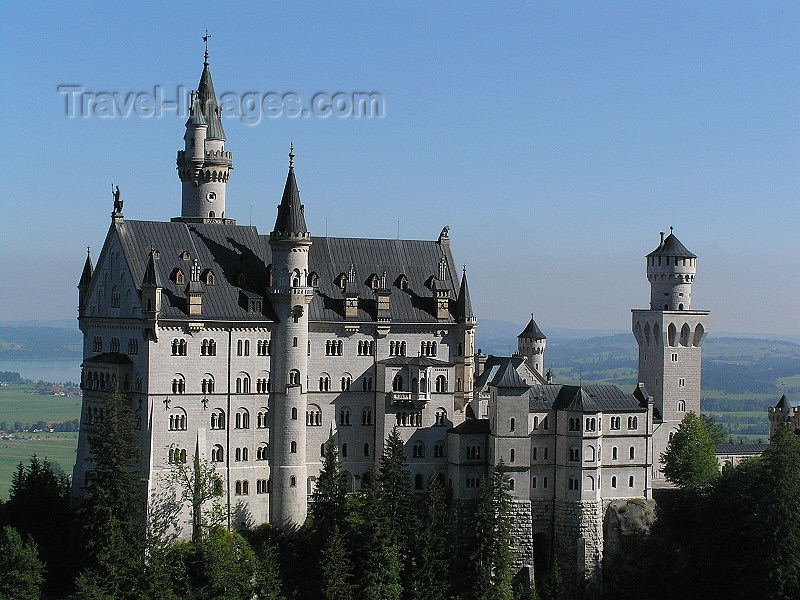 germany312: Germany - Bavaria: Neuschwanstein Castle - Schloß Neuschwanstein - photo by J.Kaman - (c) Travel-Images.com - Stock Photography agency - Image Bank