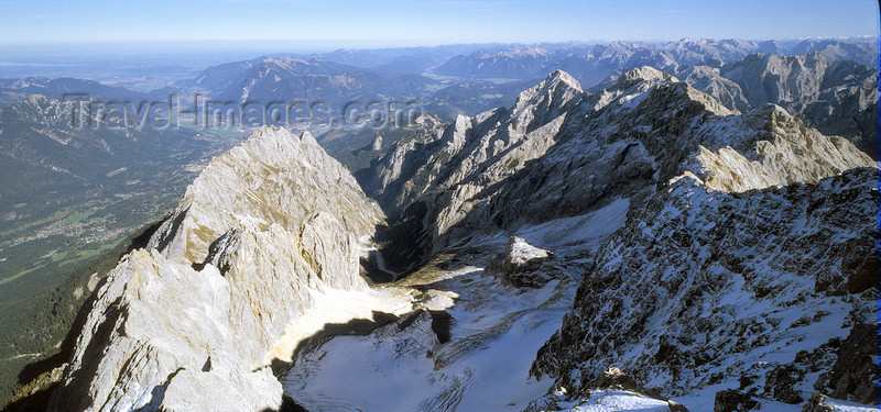 germany320: Germany - Upper Bavaria - Garmisch-Partenkirchen district: Zugspitze - Germany's highest mountain - 2962 m - Waxensteinkamm - photo by W.Allgöwer - (c) Travel-Images.com - Stock Photography agency - Image Bank