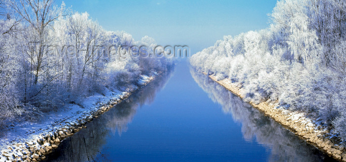 germany333: Germany - Iller canal / Illerkanal: winter landscape - Baden-Württemberg: - photo by W.Allgower - (c) Travel-Images.com - Stock Photography agency - Image Bank