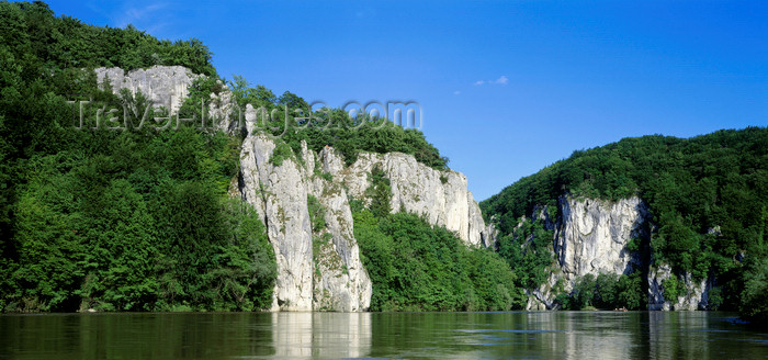 germany338: Germany - Weltenburg, Lower Bavaria: Donaudurchbruch gorge - the Danube breaks through the cliffs - Kelheim district - photo by W.Allgöwer - (c) Travel-Images.com - Stock Photography agency - Image Bank