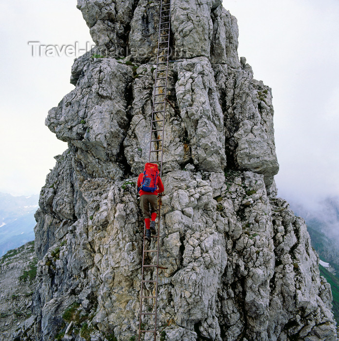 germany340: Germany - Oberstdorf, Allgäu region, Swabia, Bavaria: mountain climber - Hindelanger Klettersteig, Oberallgäu - Bavarian Alps - photo by W.Allgower - (c) Travel-Images.com - Stock Photography agency - Image Bank