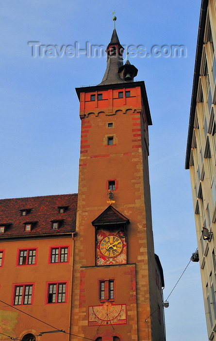germany351: Würzburg, Lower Franconia, Bavaria, Germany: Grafeneckart - Rathaus - tower - photo by M.Torres - (c) Travel-Images.com - Stock Photography agency - Image Bank