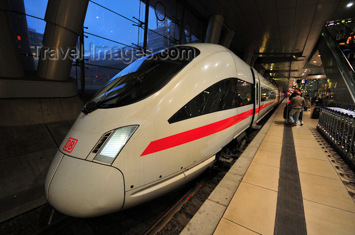 germany365: Frankfurt am Main, Germany: EuroCity train at the airport railway station - Flughafen Fernbahnhof - FRA - photo by M.Torres - (c) Travel-Images.com - Stock Photography agency - Image Bank