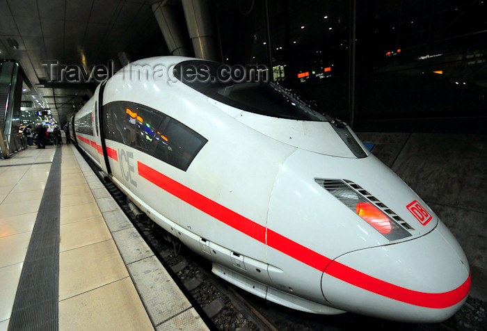 germany366: Frankfurt am Main, Germany: ICE train at the airport railway station - Flughafen Fernbahnhof - photo by M.Torres - (c) Travel-Images.com - Stock Photography agency - Image Bank