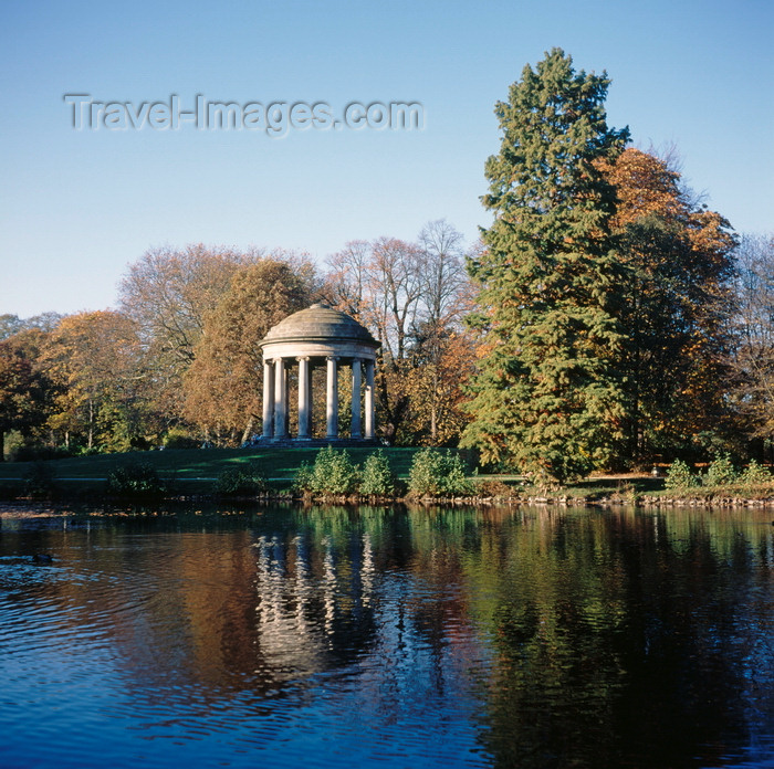 germany369: Hannover, Lower Saxony, Germany: King George's garden - Georgengarten -  between the former 2 castles, view to Leibniz' Temple - domed monopteros - photo by A.Harries - (c) Travel-Images.com - Stock Photography agency - Image Bank