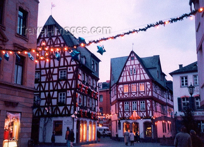 germany4: Germany / Deutschland / Allemagne - Mainz / Mayence / Moguncja / Majenco / Magonza (Rhineland-Palatinate / Rheinland-Pfalz): Christmas in the Old town - photo by M.Torres - (c) Travel-Images.com - Stock Photography agency - Image Bank