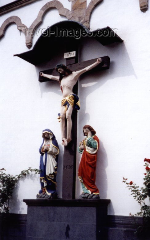 germany58: Germany / Deutschland - Boppard (Rhineland-Palatinate / Rheinland-Pfalz): Christ on the cross - wall of St. Severus church | Christ - Pfarrkirche St. Severus - Marktplatz - photo by M.Torres - (c) Travel-Images.com - Stock Photography agency - Image Bank