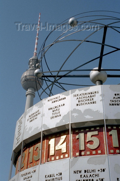 germany88: Germany / Deutschland - Berlin: Alexanderplatz - the world clock / Die Welt - Weltzeituhr - photo by M.Bergsma - (c) Travel-Images.com - Stock Photography agency - Image Bank