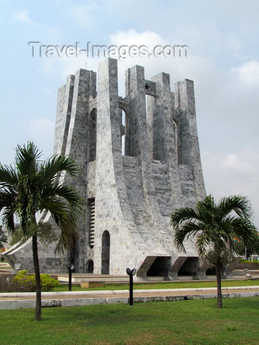 ghana32: Accra, Ghana: Kwame Nkrumah mausoleum - Kwame Nkrumah Memorial Park - KNMP - 28th February High Street - photo by G.Frysinger - (c) Travel-Images.com - Stock Photography agency - Image Bank