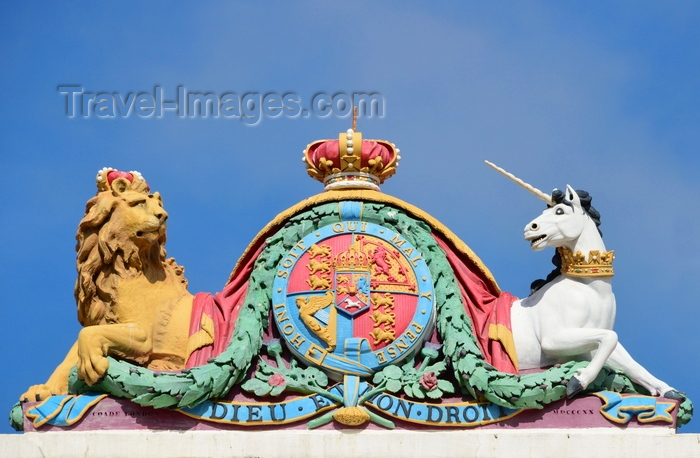 gibraltar81: Gibraltar: the Royal Arms atop the Gibraltar courts service building - lion and unicorn - photo by M.Torres - (c) Travel-Images.com - Stock Photography agency - Image Bank