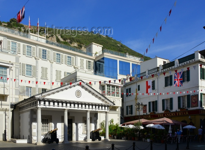 gibraltar96: Gibraltar: Guard House of the residence of the Governor of Gibraltar and The Angry Friar pub on Convent Place, Main Street - cable car in the backround - photo by M.Torres - (c) Travel-Images.com - Stock Photography agency - Image Bank
