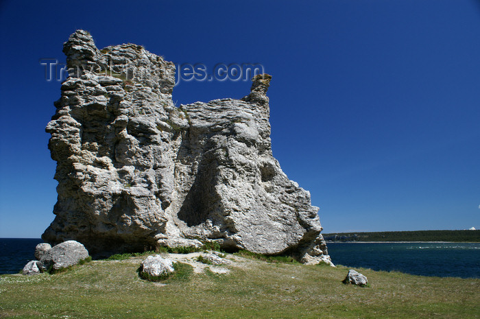gotland105: Gotland island - Lickershamn: limestone stack or rauk - photo by A.Ferrari - (c) Travel-Images.com - Stock Photography agency - Image Bank