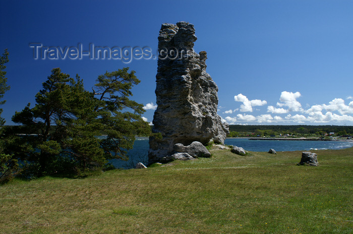 gotland106: Gotland island - Lickershamn: limestone stack or rauk and the Baltic coast - photo by A.Ferrari - (c) Travel-Images.com - Stock Photography agency - Image Bank