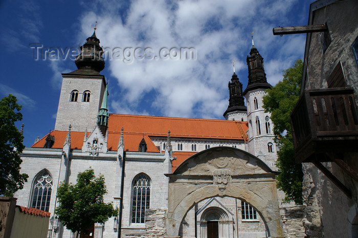 gotland109: Gotland - Visby: Sankta Maria Cathedral - external gate - photo by A.Ferrari - (c) Travel-Images.com - Stock Photography agency - Image Bank