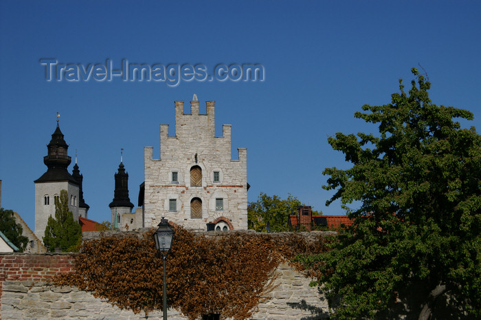 gotland114: Gotland - Visby: view over Sankta Maria Cathedral from Almedalen - photo by A.Ferrari - (c) Travel-Images.com - Stock Photography agency - Image Bank