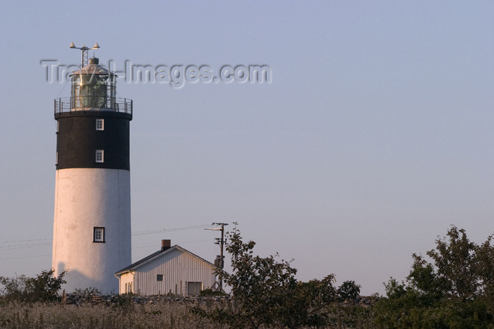gotland14: Sweden - Gotland island / Gotlands län - Hoburgen lighthouse - south of the island - photo by C.Schmidt - (c) Travel-Images.com - Stock Photography agency - Image Bank