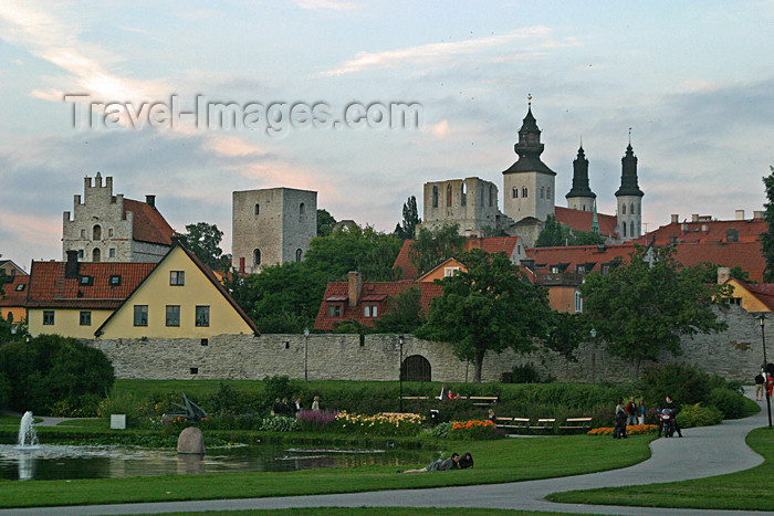 gotland37: Sweden - Gotland island / Gotland ö - Visby: town centre - Cathedral of St Mary - Hanseatic Town of Visby / stadskärna - photo by C.Schmidt - (c) Travel-Images.com - Stock Photography agency - Image Bank