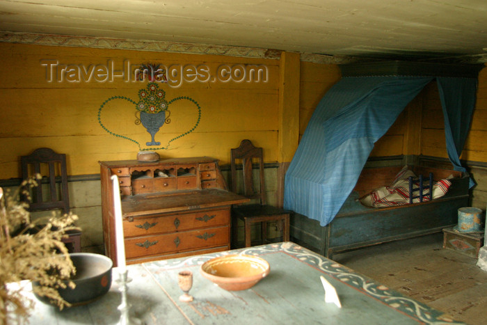 gotland41: Sweden - Gotland island / Gotlands län:  interior of old country house - photo by C.Schmidt - (c) Travel-Images.com - Stock Photography agency - Image Bank