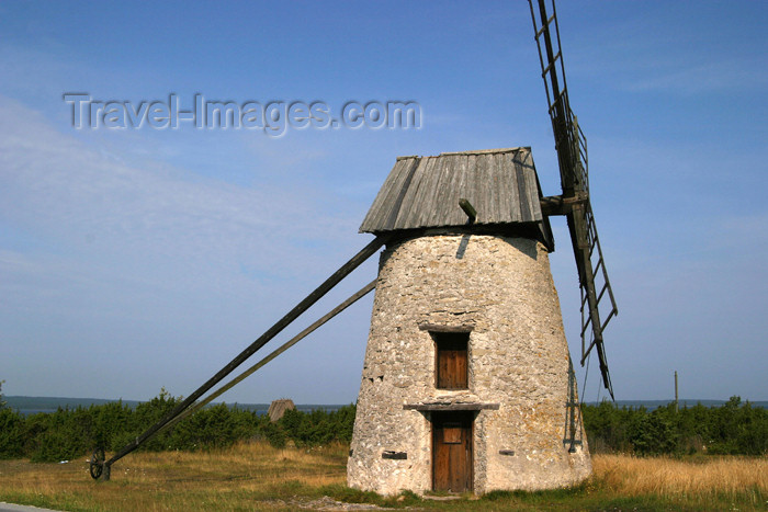 gotland49: Sweden - Gotland island / Gotlands län - Fårö island - Broa: windmill - side view - photo by C.Schmidt - (c) Travel-Images.com - Stock Photography agency - Image Bank
